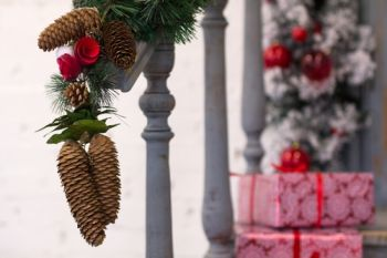 Top 5 porch decor ideas for the festive season
